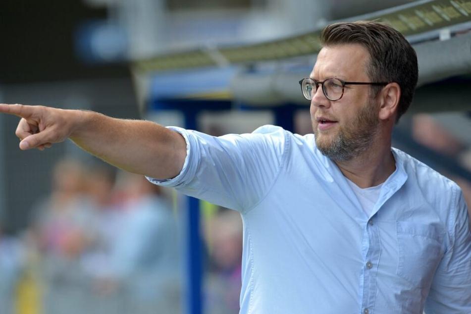 Manager Martin Przondziono verabschiedete den Stürmer respektvoll.