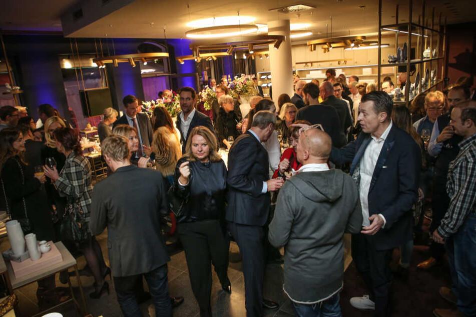 Knapp 200 Gäste kamen zur Eröffnung des Meissen-Stores im QF an der Frauenkirche.