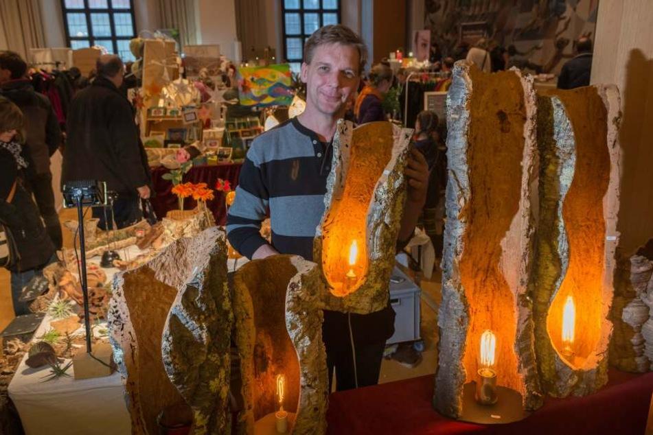 Handgefertigte Waren wie jene von Peter Stellmach zum Fairen Weihnachtsmarkt 2017 wird Gäste auch in diesem Jahr erwarten.