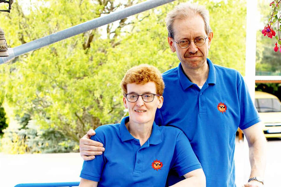 Sachsens außergewöhnlichstes Therapeuten-Paar half bereits Tausenden  Patienten: In diesem Jahr feiern Romy (51) und Hartmut Sommer (55) 25-jähriges  Praxisjubiläum.