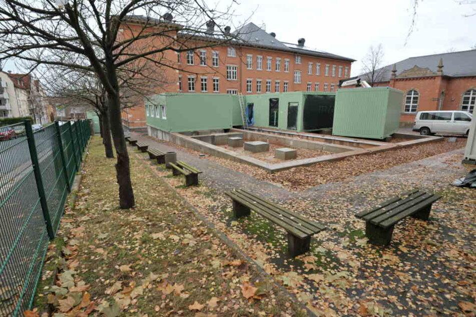 In diesen Containern findet ab 27. Februar der Unterricht statt.