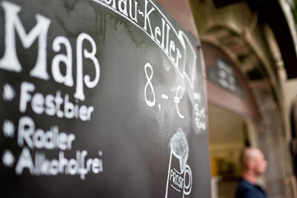 In dem Bierkeller kann man lernen, wie das Bier gemacht wird. (Symbolbild)