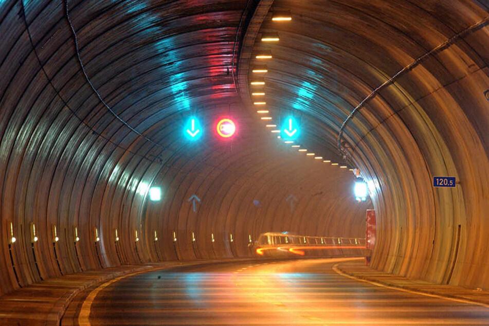 Im Rennsteigtunnel wird derzeit ein System getestet, was Geisterfahrer schneller stoppen soll.