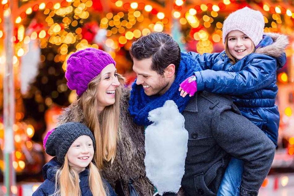 Ein Bummel über den Weihnachtsmarkt erfreut Große und Kleine - besonders, wenn man einen kleinen stimmungsvollen Markt besucht.