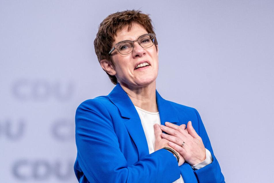 Nach ihrer Rede erhielt die CDU-Vorsitzende minutenlangen Applaus.