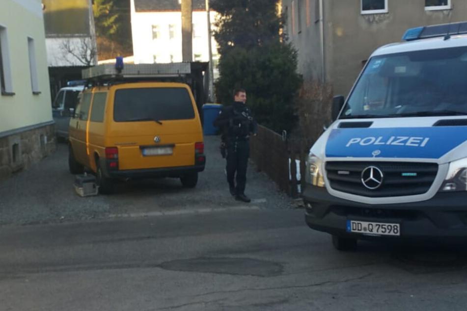 Im Februar 2019 kamen gleich neun Polizeibeamte auf der Suche nach Kater Siggi vorbei.