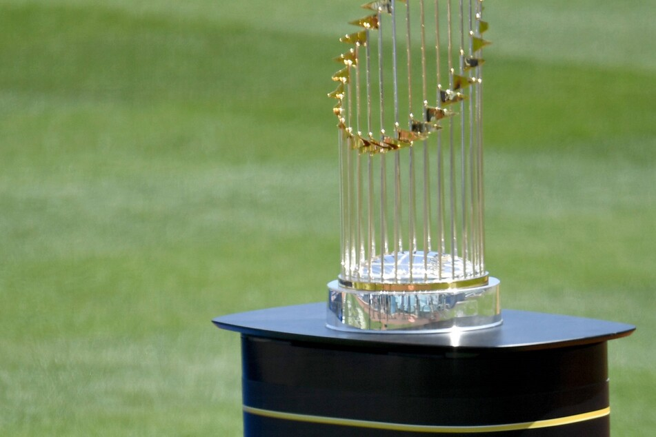 MLB: Dodgers enjoy their home opener by showing off all the championship hardware!
