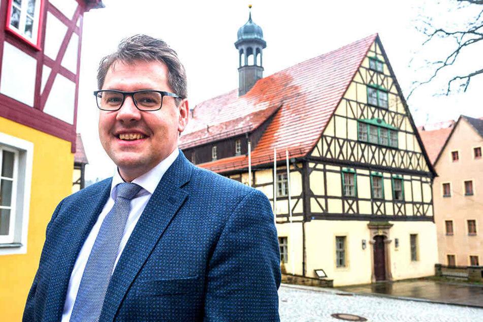 Bürgermeister Daniel Brade (36, SPD) will die Burg retten!