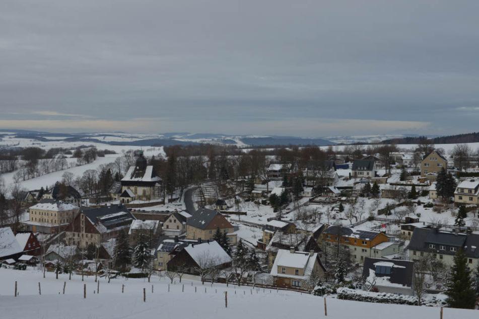 So sympathisch! Weihnachten feiert der Erzgebirger mit seiner Ehefrau zu Hause in der Heimat, dem idyllischen Großrückerswalde.