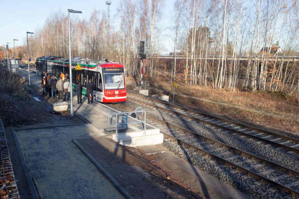 Nach zehn Monaten Bauzeit ist der neue Haltepunkt im Küchwald fertig. Die Citylinks von Chemnitz nach Burgstädt halten dort im Stundentakt.