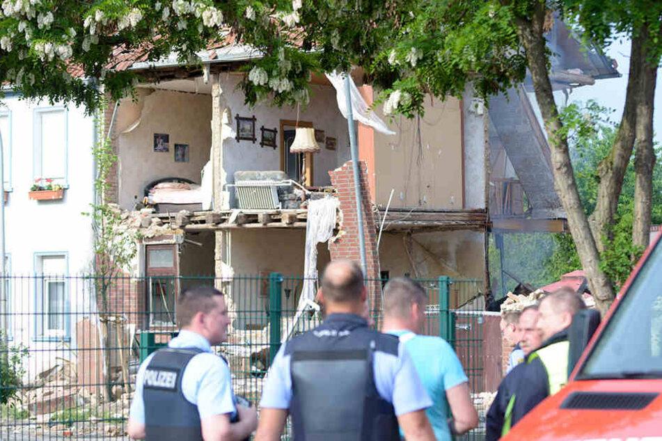 Eine Gasexplosion hatte das Wohnhaus im Salzlandkreis zerstört. Es wurde noch in der selben Nacht abgerissen.