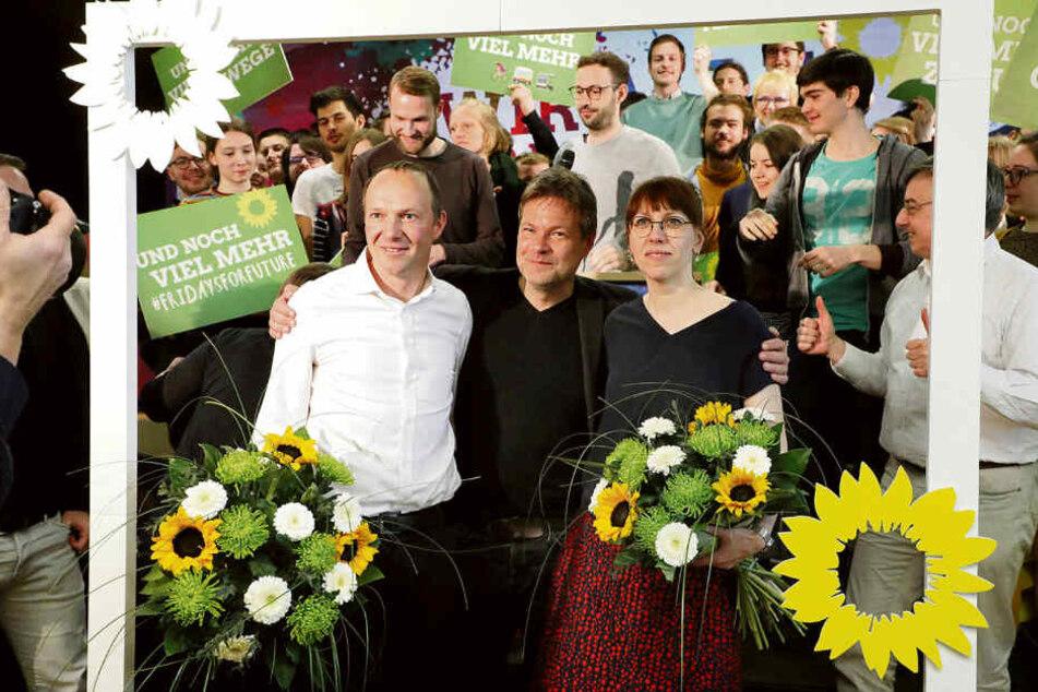 Katja Meier mit Co-Spitzenkandidat Wolfram Günther (46, l.) und Grünen-Parteichef Robert Habeck (49).