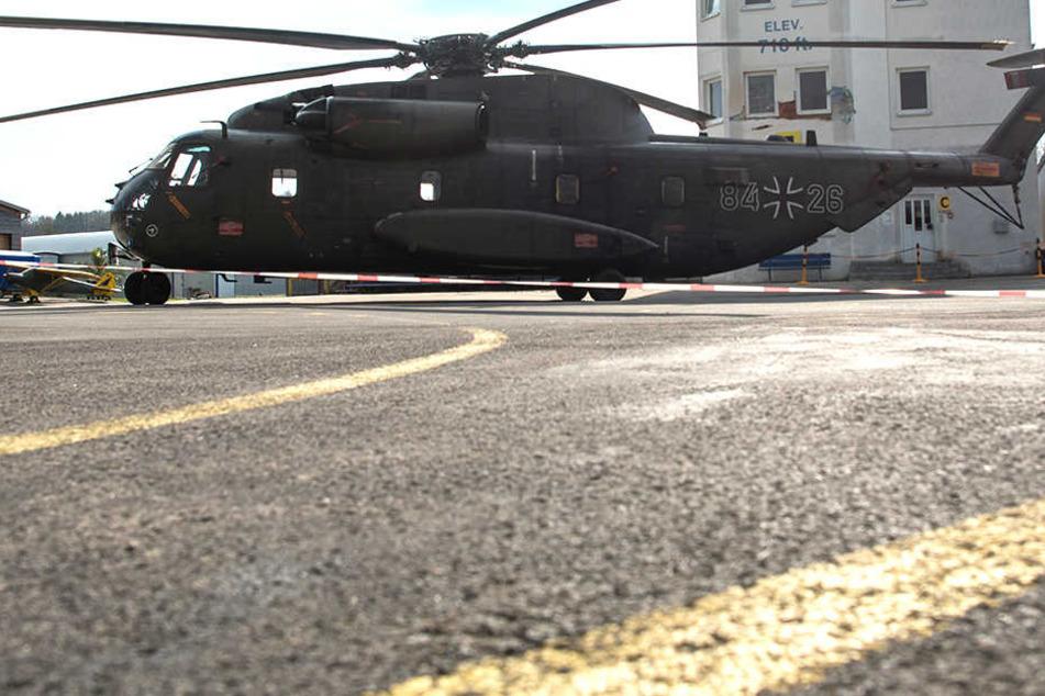 Bundeswehr-Helikopter kollidiert mit Tower und tötet Mitarbeiter