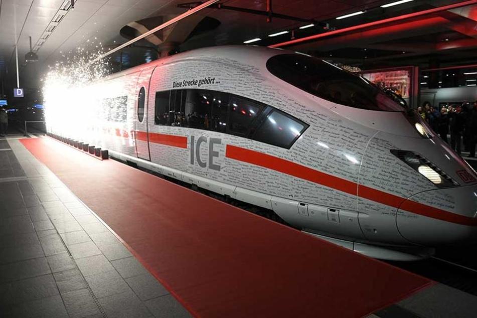 ICE-Streckeneröffnung: Sonderzug bleibt mehrfach auf offener Strecke liegen