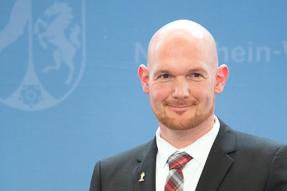Astronaut Alexander Gerst bei der Verleihung des Landesverdienstordens in Düsseldorf.