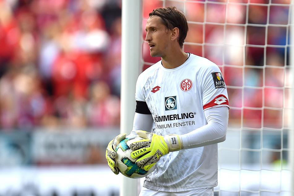 René Adler (36) bei seiner aktiven Zeit beim 1. FSV Mainz 05. Der 36-Jährige macht sich keine Sorgen um den Torhüter-Nachwuchs in Deutschland.
