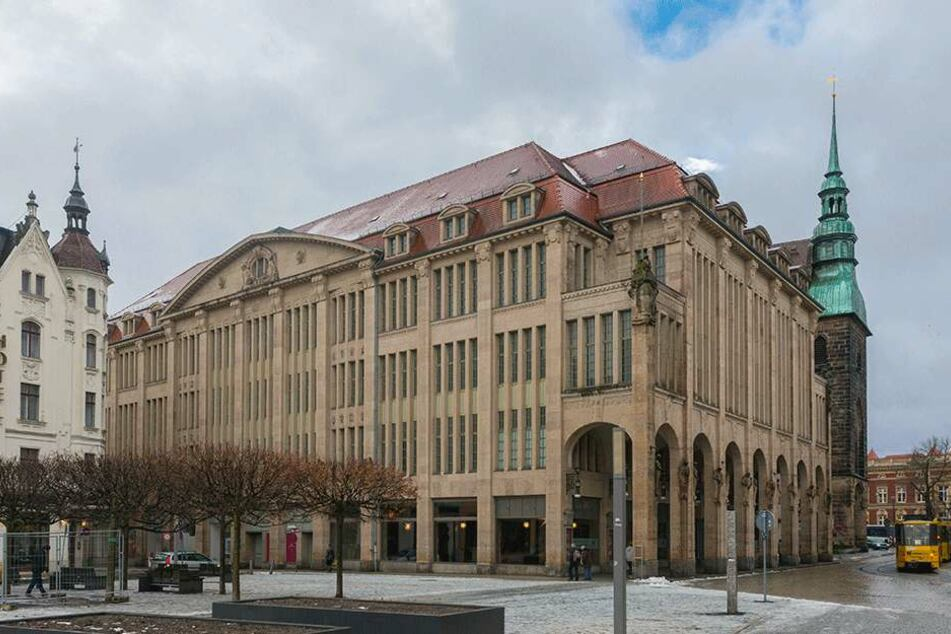 2013 kaufte Winfried Stöcker das Jugendstilkaufhaus in Görlitz. Das Rathaus will sich nicht äußern - es handle sich um eine private Meinungsäußerung Stöckers.