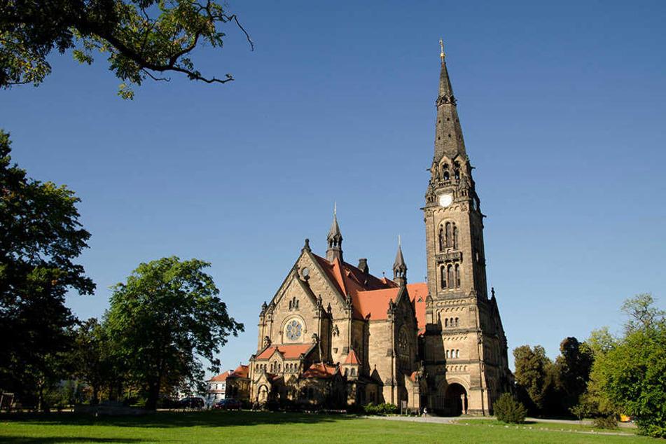 Einbrecher drangen in die Garnisonskirche in Dresden ein, gingen mit 100 Euro davon.