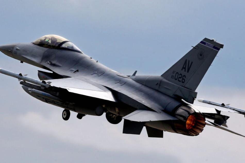 Bei dem Flugzeug soll es sich um eine solche F-16-Maschine handeln (Symbolfoto).