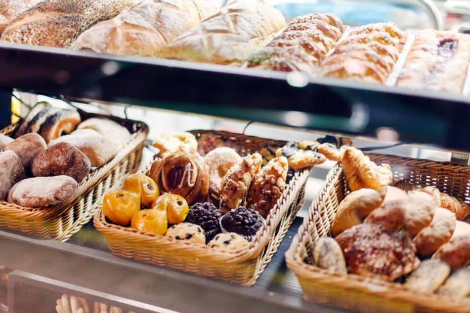 Eine Bäckerei überfiel der Räuber. (Symbolbild)