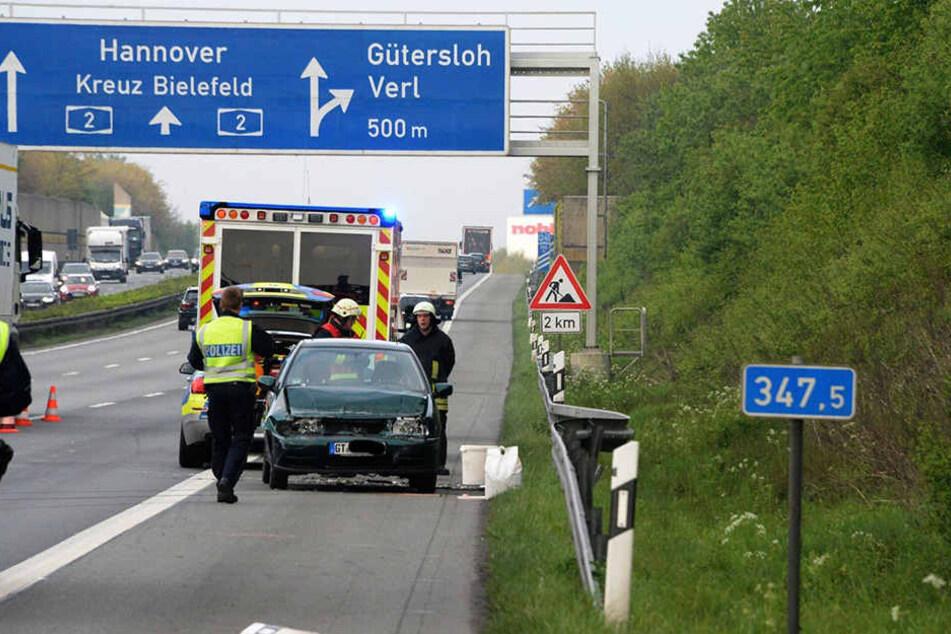 Der VW Polo der 29-Jährigen blieb entgegen der Fahrtrichtung stehen.