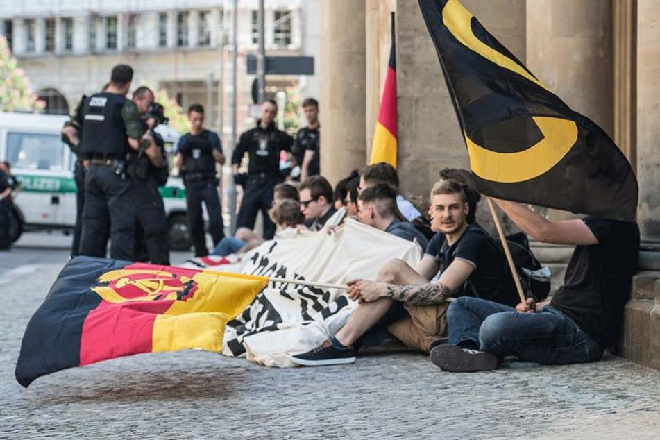 Mitglieder der Identitären Bewegung am vergangenen Freitag vor dem Bundesjustizministerium.