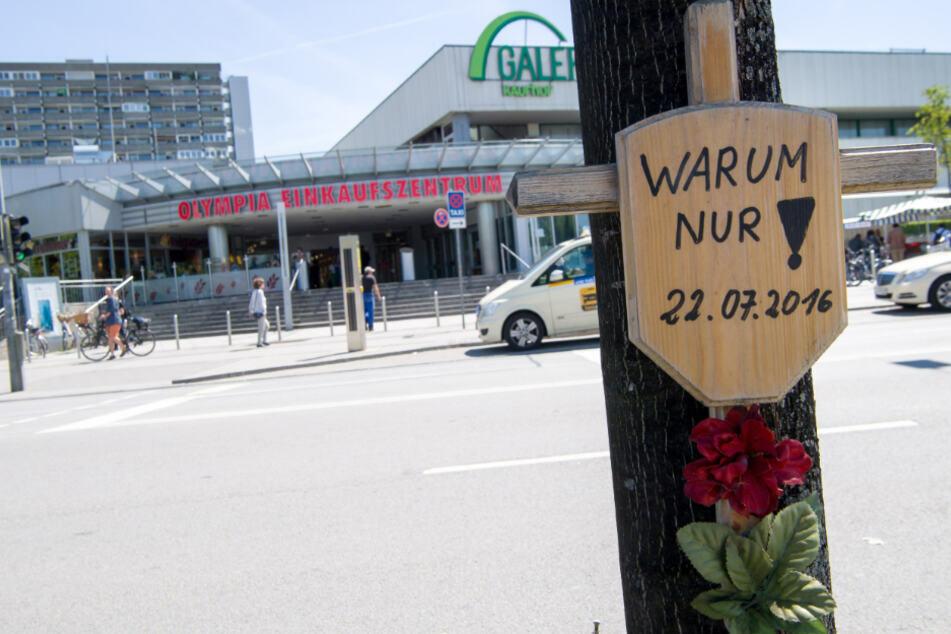 Am 22. Juli 2016 tötete ein 18-Jähriger im Münchner OEZ neun Menschen. (Archivbild)