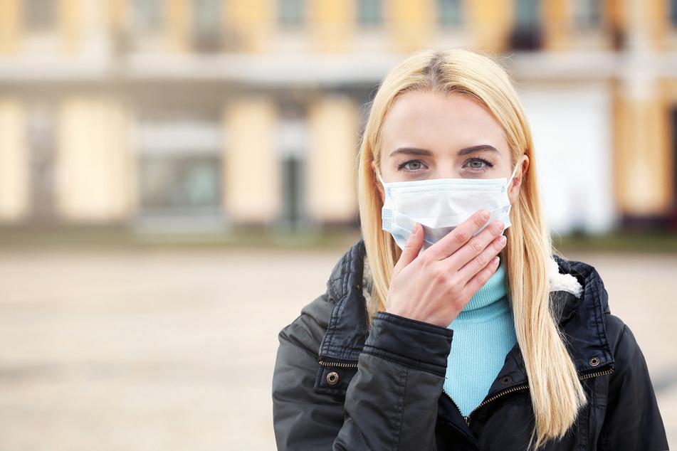 Dadurch, dass die Leute Masken tragen und zuhause bleiben, verringere sich auch das Risiko einer Ansteckung mit dem Influenza-Virus.