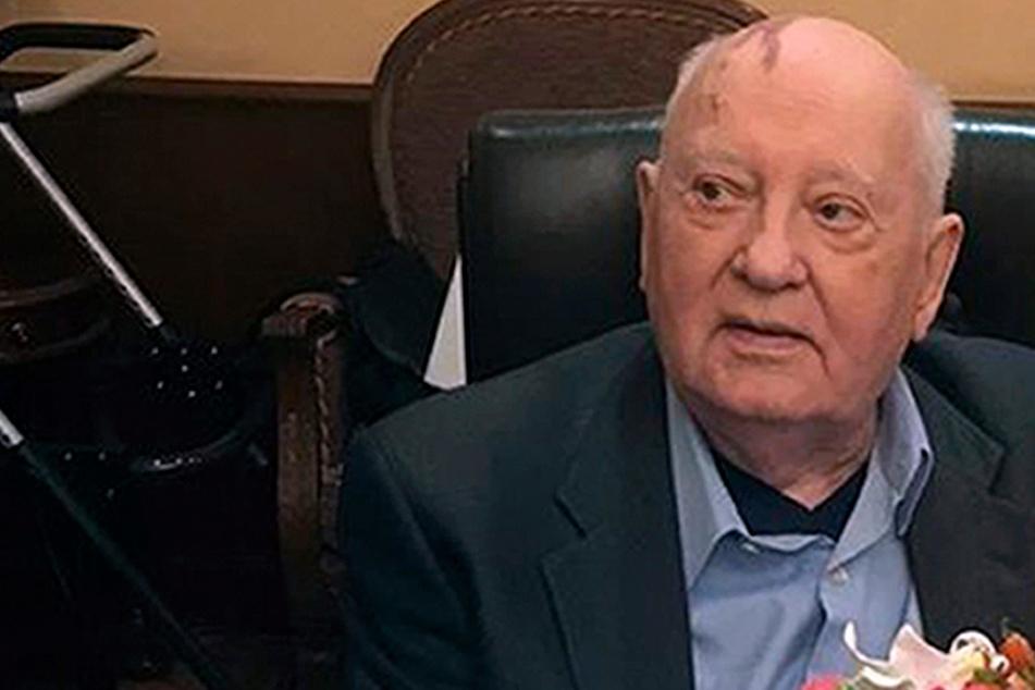 Dessau-Roßlau stellt Denkmal für Gorbatschow auf