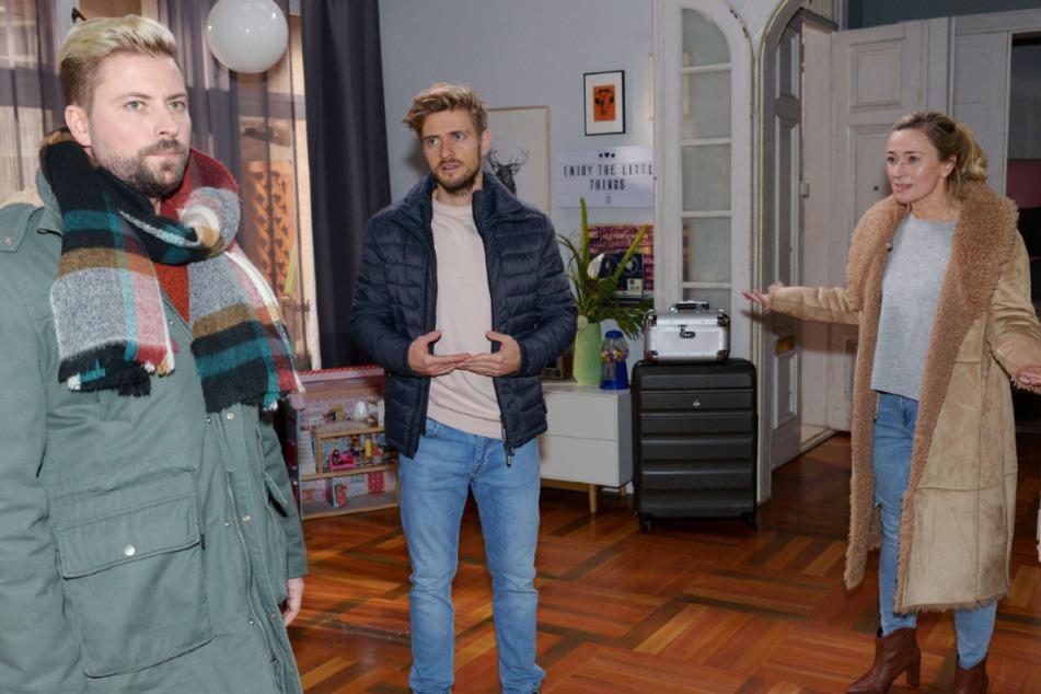 Ausgerechnet John hat Patrizia und Philip im Hotelzimmer erwischt.
