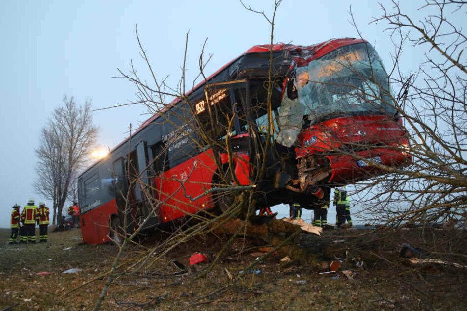 Am 23. Januar verunglückten fast zeitgleich zwei Schulbusse in Bayern (Foto) und Thürigen schwer. (Archivbild)