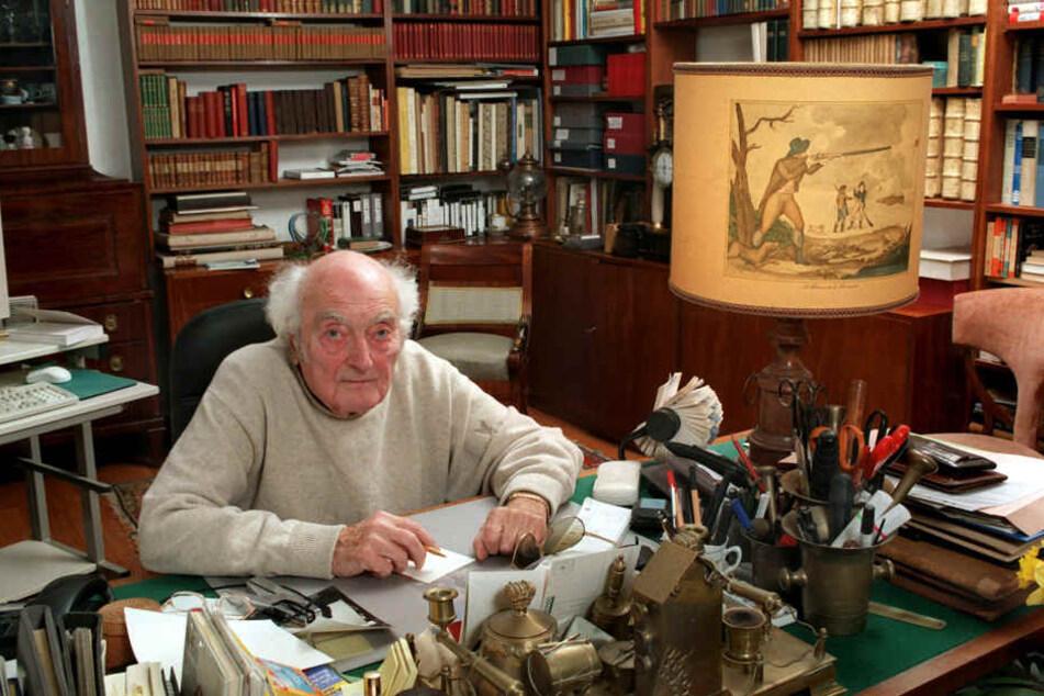 Die Arbeitsbibliothek des gebürtigen Chemnitzer Schriftstellers Stefan Heym (1913 - 2001) kommt ins Tietz. Diese Aufnahme stammt aus dem Jahr 1989. 2001 verlieh Chemnitz Heym die Ehrenbürgerschaft.