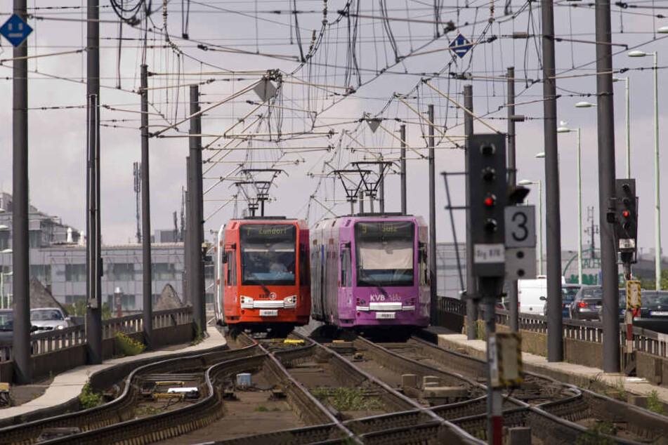 Die Bahnen der KVB fahren teils bis nach Bonn.