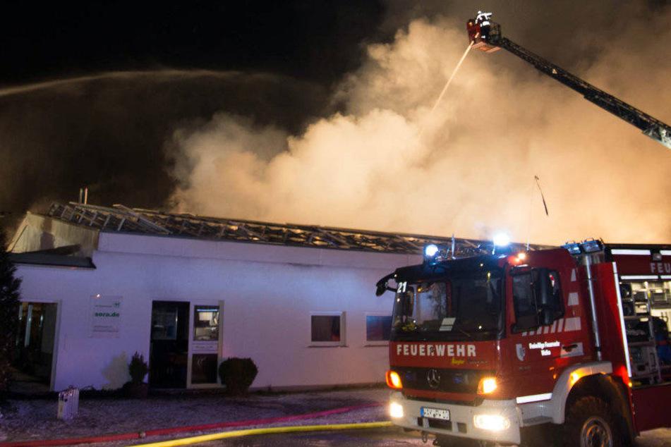Mit einem Großaufgebot war die Feuerwehr vor Ort.