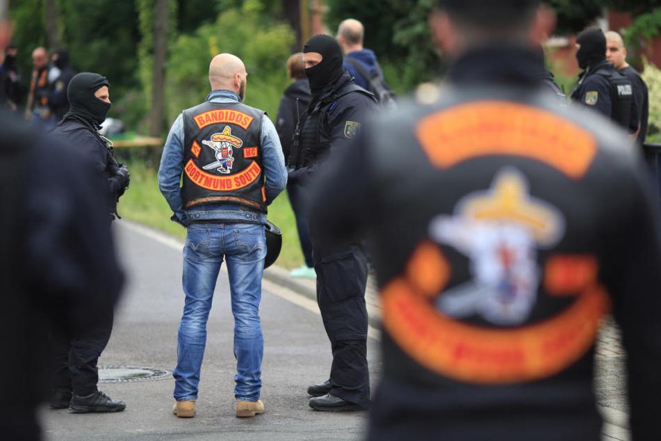 Großer Polizeieinsatz bei einem Bandidos-Treffen (Archivbild).