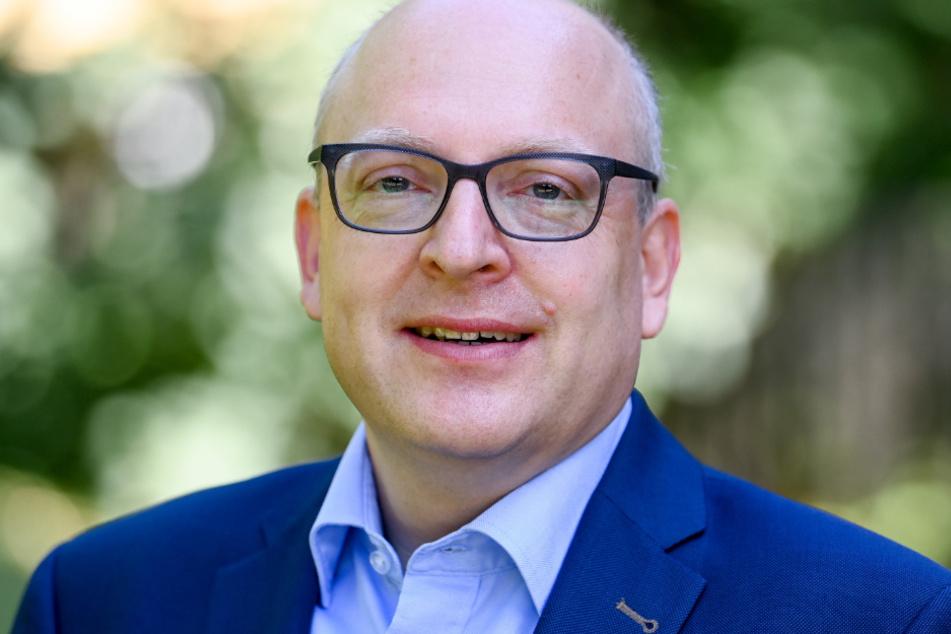 Sven Schulze (48, SPD) konnte in Chemnitz punkten, verfehlte aber die absolute Mehrheit. Am 11. Oktober müssen die Chemnitzer deshalb erneut wählen gehen - wie in vielen anderen sächsischen Kommunen auch.