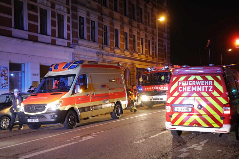 Im Bett geraucht: Zwei Männer bei Matratzen-Brand verletzt