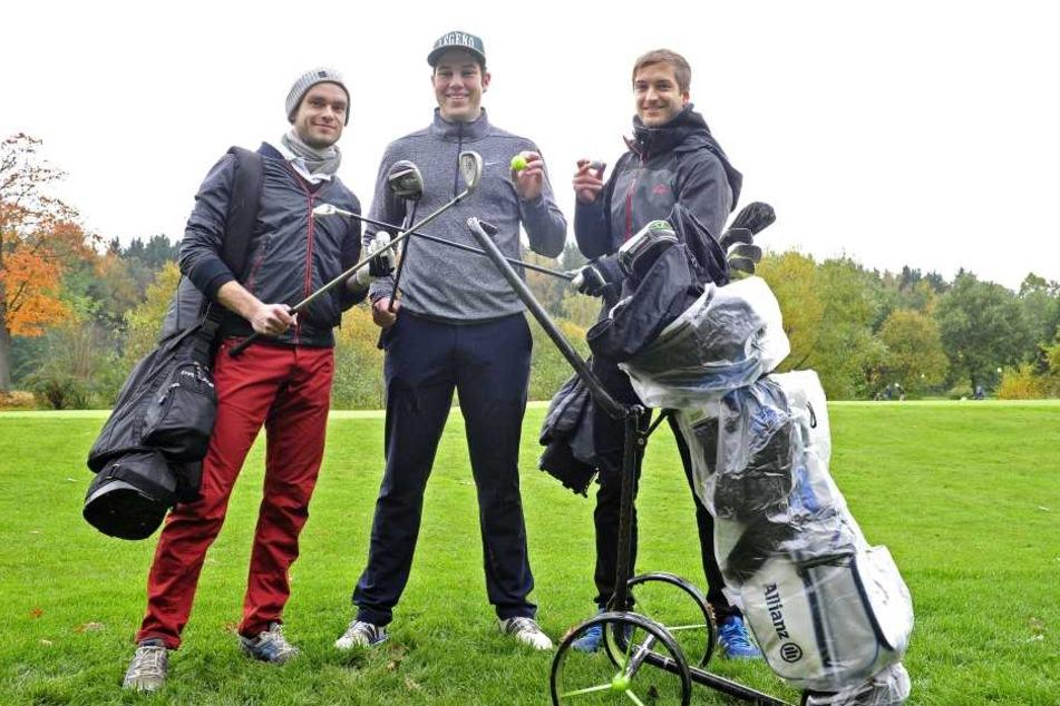 Oliver Kabis, Jan Holzmüller (18) und Niklas Scholl (24) gingen als Team aufs Grün.