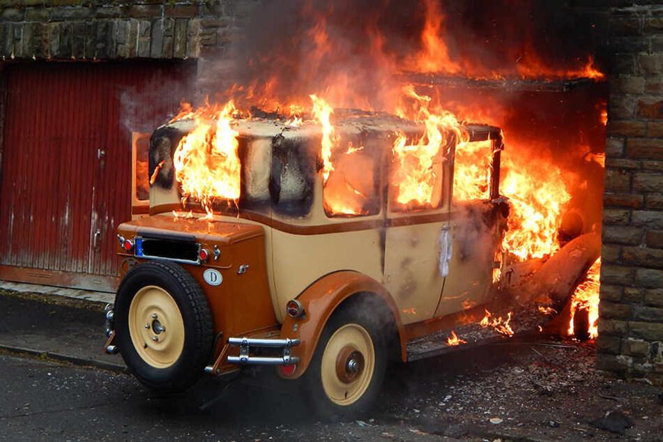 Der Citroën-Oldtimer aus dem Jahre 1929 brannte vollständig aus.