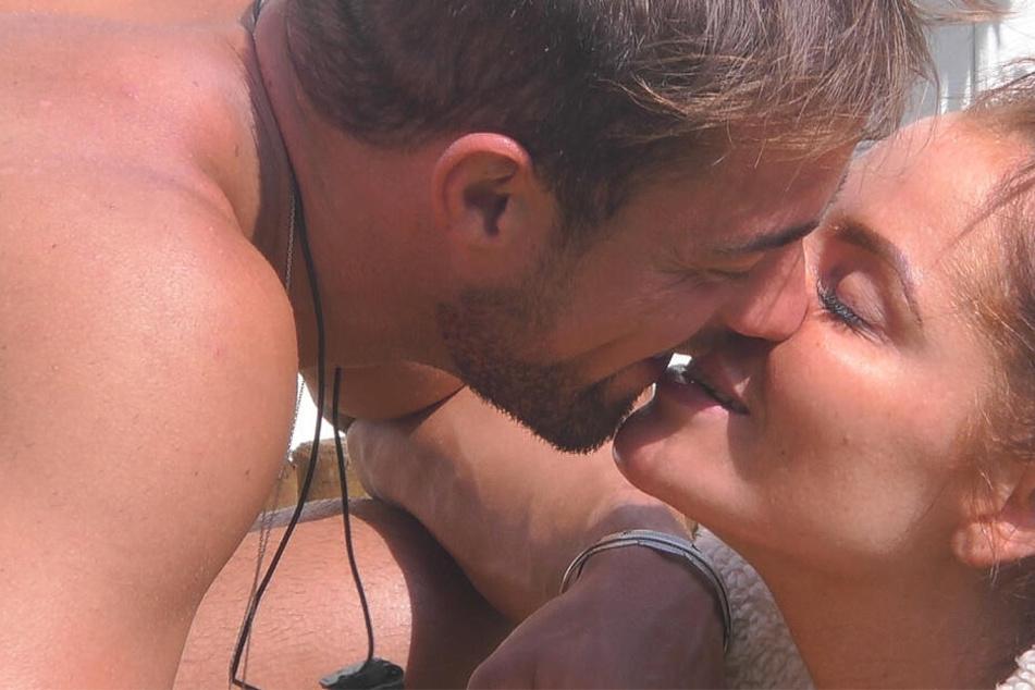 """""""Promi Big Brother"""": Trauriges Liebes-Aus bei Janine und Tobi im großen Finale?"""