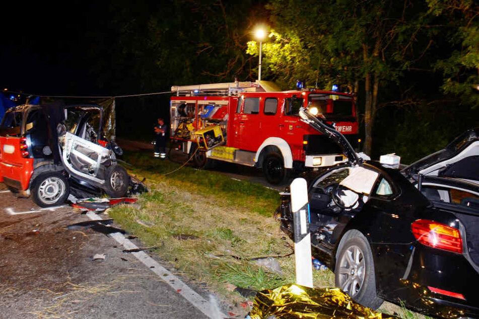 Zwei Tote bei Frontalcrash auf Landstraße