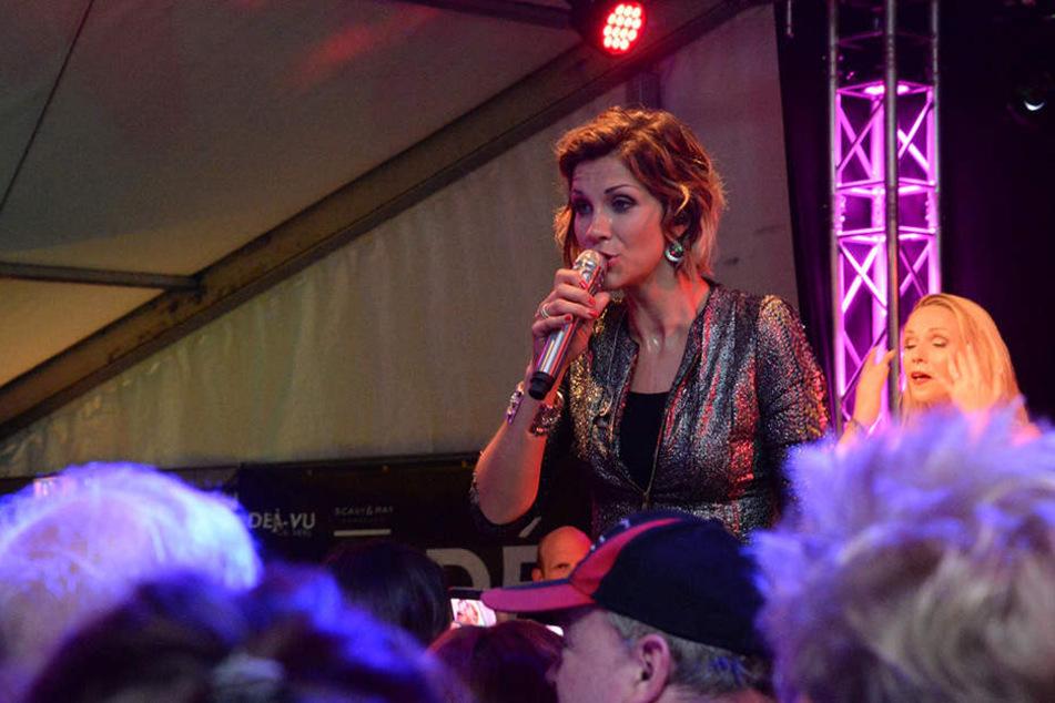 Voller Erfolg: Anna-Maria Zimmermann heizt Schützenfest-Publikum ein