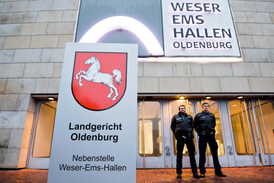 Der Gerichtsprozess wurde in die Weser-Ems-Hallen von Oldenburg verlegt.
