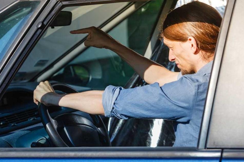 Autofahrer geraten immer öfter mit Radfahrern aneinander.