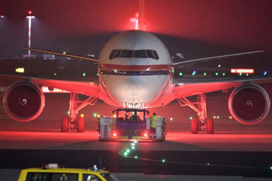 Am Dienstag ist ein Flugzeug mit abgelehnten Asylbewerbern im afghanischen Kabul angekommen. (Symbolbild)