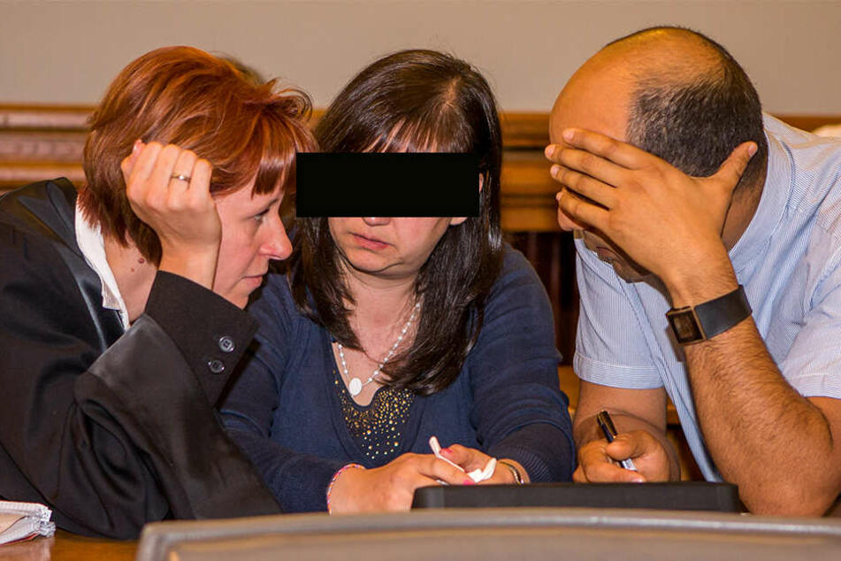 Der Staatsanwalt fordert lebenslange Haft für Entessar A. (Mitte). Sie soll von der Tötungsabsicht gewusst und sie gebilligt haben.