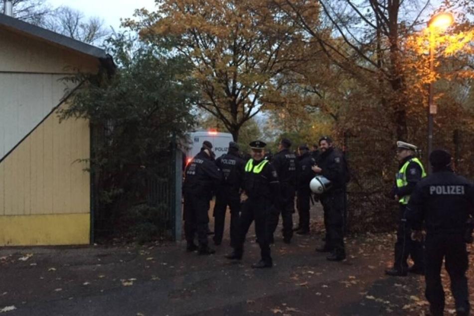 Aktivisten besetzen Kita in Köln-Nippes: Polizei rückt an