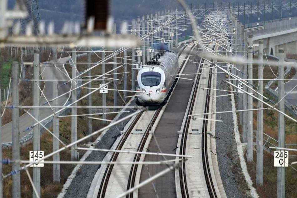 Die neue Technik wird die Bahn zwischen Erfurt und den Städten Leipzig und Halle ab Anfang 2017 testen.