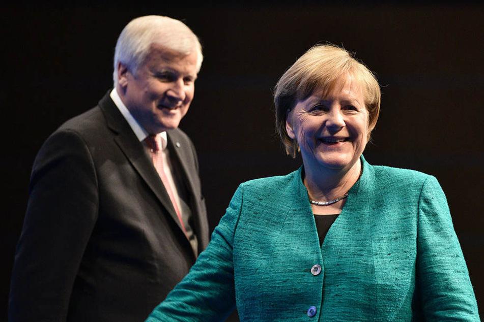 Seehofer und Merkel erleichtert, doch der eigentliche Marathon steht noch bevor.