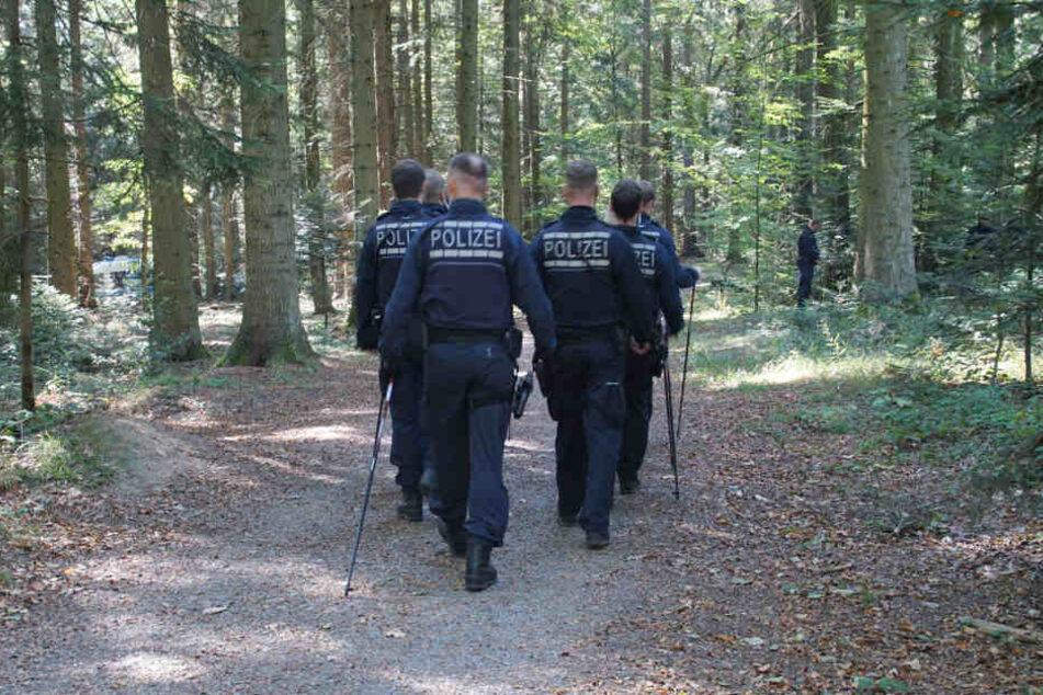 Der damals 52-jährige Mann aus Moldawien wurde 2015 in einem Waldstück gefunden. (Symbolbild)